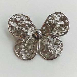 Jewelry - Vintage butterfly pin